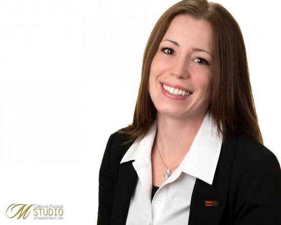headshot of ottawa real estate agent royal lepage